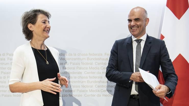 An der ersten Sitzung nach der Sommerpause entschied der Bundesrat über die 1000er-Regel. Im Bild Bundespräsidentin Simonetta Sommaruga und Gesundheitsminister Alain Berset.