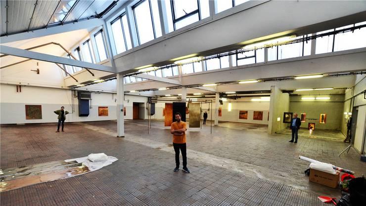 Sie stehen ein für die Kultur in Wohlen: Remo Hofmann, Nicolas Witschi, Liz Kuhn und Hans Furter (von links) im neuen Kunstraum Bleichi. Bild: Christian Breitschmid