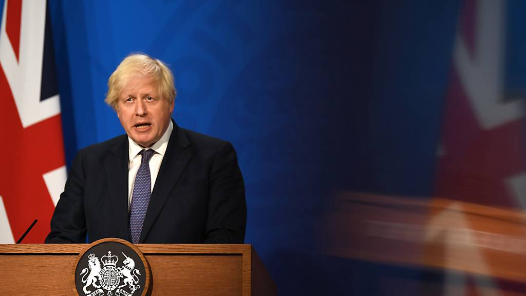 Großbritanniens Premierminister Boris Johnson äußert sich bei einer Pressekonferenz in der Downing Street. Foto: Daniel Leal-Olivas/PA Wire/dpa
