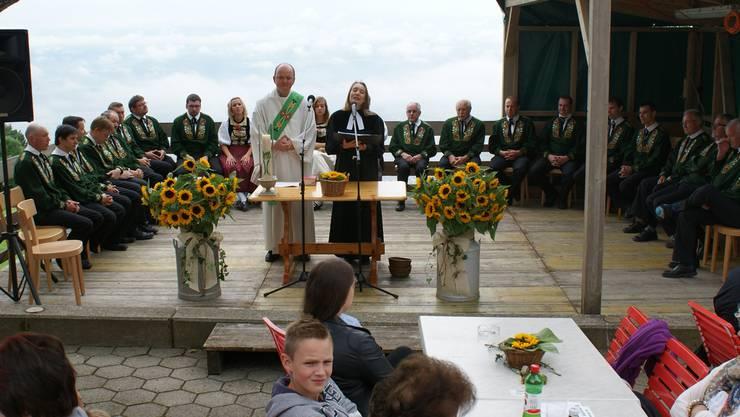 Berggottesdienst mit Markus Heil und Yvonne Gütiger.