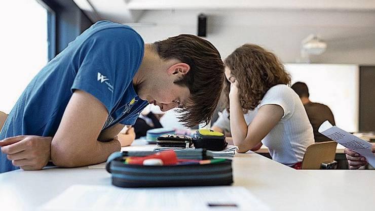 36000 Schulabgänger begannen eine Lehre. Bild: G. Bally/Keystone