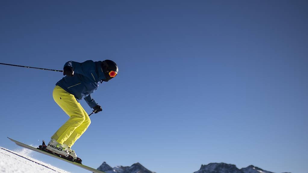 Im Kanton Graubünden bleiben die Skigebiete über die Feiertage offen.