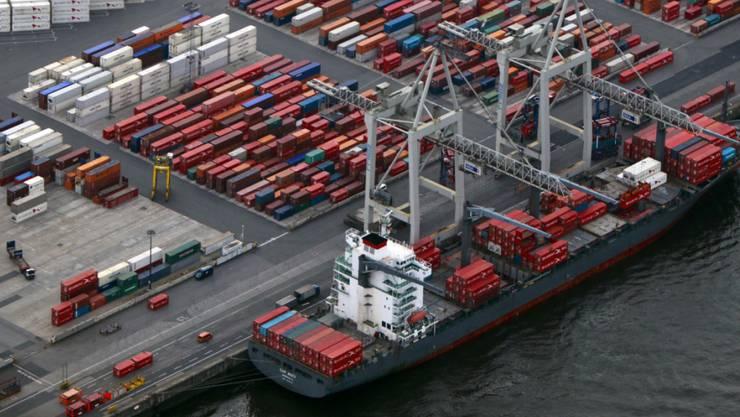 Weil der Reeder zahlungsunfähig wurde und der Bund für die Hochseeschiffe bürgte, muss er nun bis zu 215 Millionen Franken aufwerfen.