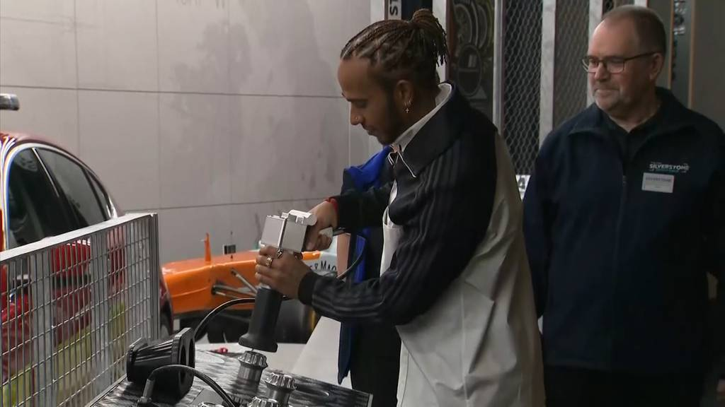 Lewis Hamilton darf sich nun Sir nennen