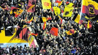 Stehrampe der Postfinance-Arena: Die Fans wollen keine Gewalt – aber auch keine «Fancard» und kein Alkoholverbot. EQ