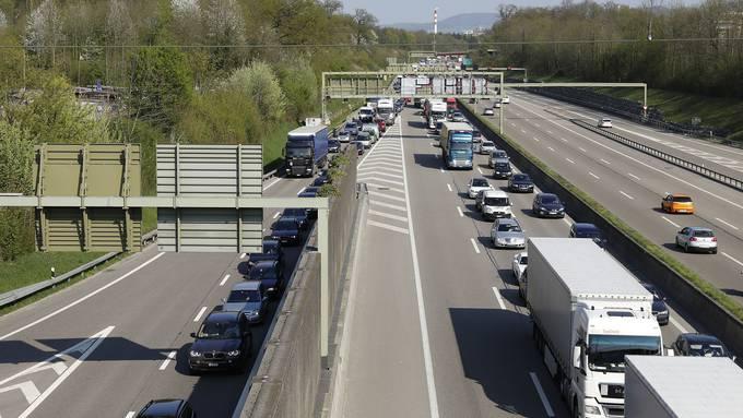 In Agglogemeinden nimmt die Anzahl Autos ab. (Symbolbild)