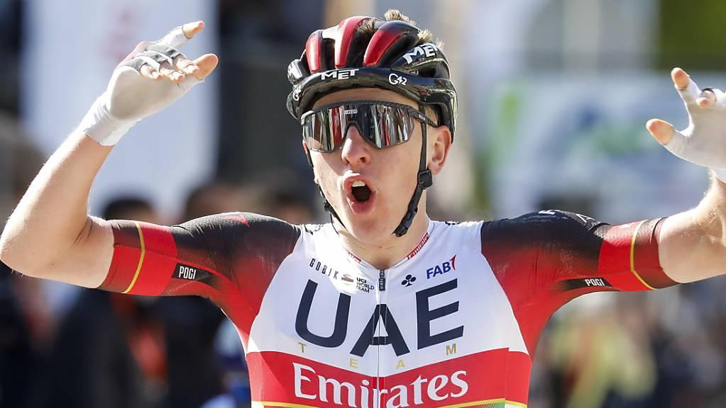 Einmal mehr Grund zum Jubeln: Der Slowene Tadej Pogacar vom Team UAE Emirates triumphiert an der Lombardei-Rundfahrt