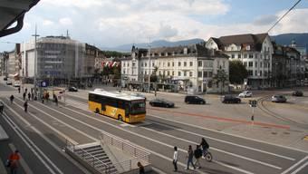 Beim Hauptbahnhof Solothurn konnte die Kantonspolizei den Tatverdächtigen festnehmen.