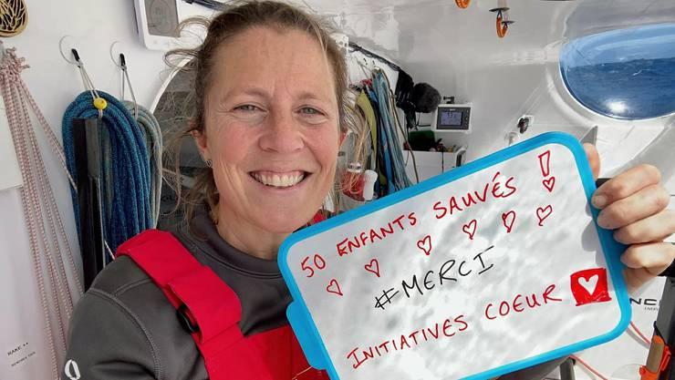 Ausgeschieden, aber immer noch unterwegs: Samantha Davies, die mit ihrer Weltumseglung Geld für herzkranke Kinder sammelt.