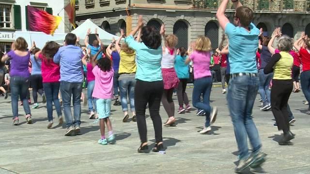 Tanz für Gott auf dem Bundesplatz