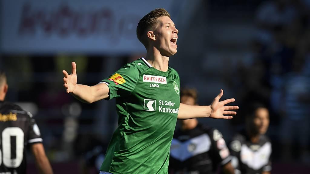 St.Gallens Cedric Itten jubelt über den 3:1-Sieg in Lugano