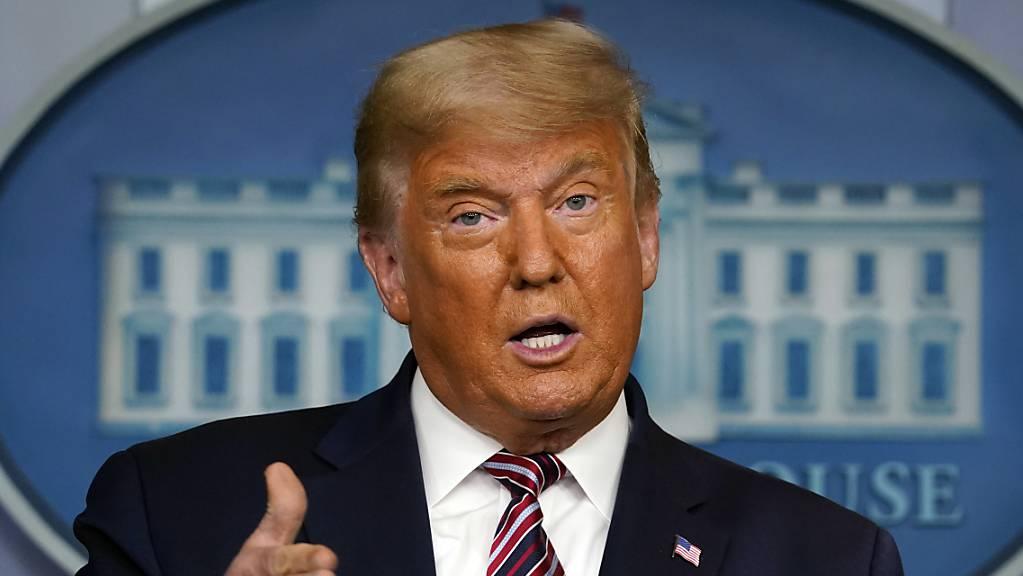 ARCHIV - Donald Trump, Präsident der USA, spricht im Weißen Haus. Foto: Evan Vucci/AP/dpa/Archiv