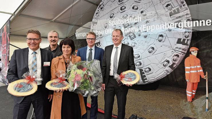 Die damalige Verkehrsministerin Doris Leuthard am Tag des offiziellen Baubeginns im Frühling 2015.