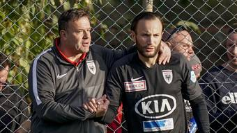 Shkelzen Gashi (rechts) mit FCA-Trainer Patrick Rahmen