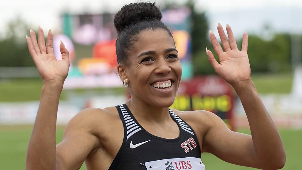 Trotz verpasstem Rekord: Mujinga Kambundij zeigt ihr Lachen nach dem Schweizer Meistertitel auch ohne neue Rekordmarke