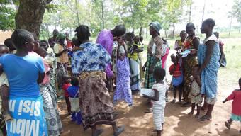 Die von Linda Stamm ausgebildeten Gesundheitsarbeiter besuchen die Dörfer in der tansanischen Serengeti.