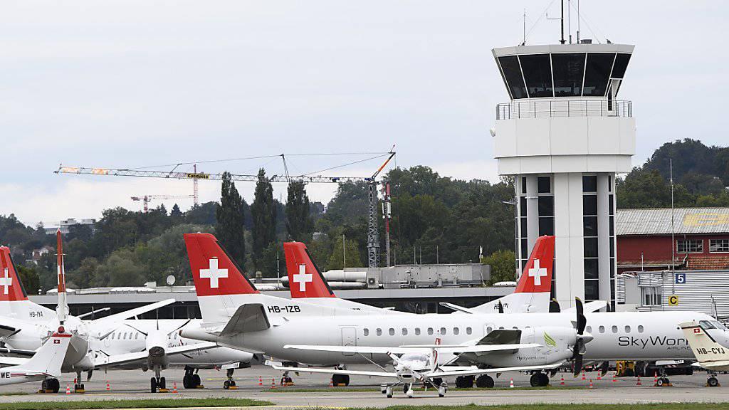 Am Boden: die Berner Regionalfluggesellschaft Skywork ist Pleite. Für gestrandete Passagiere bieten vier Fluggesellschaften nun vergünstigte Rückflüge an.