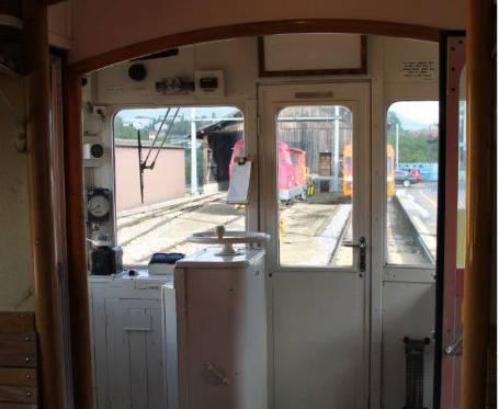 Noch ist der Innenraum des Triebwagens fast im Ursprungszustand erhalten. © Vincent Bory