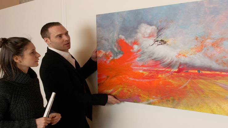 Künstler Dominique Ruppen mit Kuratorin Vanessa Simili.