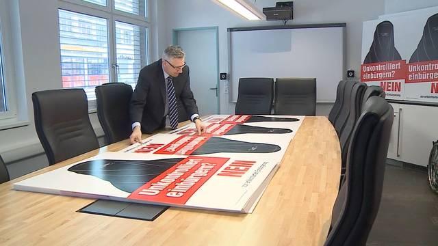 SVP steigt mit Burka-Plakat in Einbürgerungs-Abstimmungskampf – «Cheibe Freud» hat vor allem SVP-Asylchef Andreas Glarner