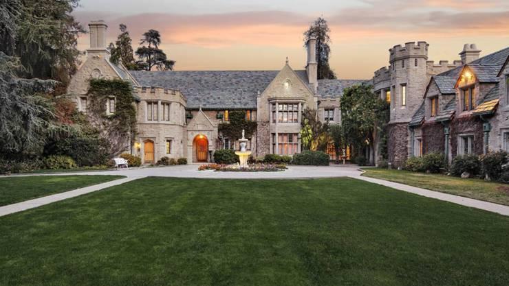 """Die The Playboy Mansion in Los Angeles: Hier soll Cosby das US-Modell Goins sexuell missbraucht haben - mit Billigung von """"Playboy""""-Gründer Hefner."""