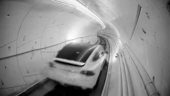 US-Milliardär Elon Musk hat in Los Angeles einen Hyperloop-Testtunnel eröffnet.
