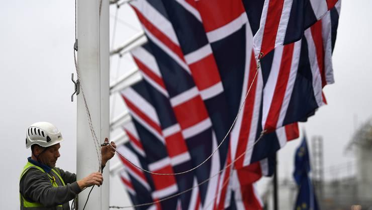 Hoch mit den Fahnen: Die Briten sind mehrheitlich stolz darauf, wieder unabhängig von der EU zu sein.