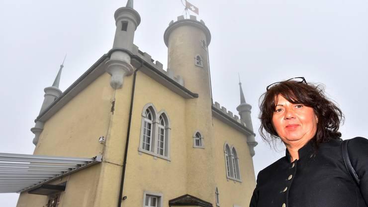 Karmen Müller vor dem Säli Schlössli