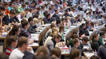 Blick in einen Hörsaal der Hochschule St. Gallen