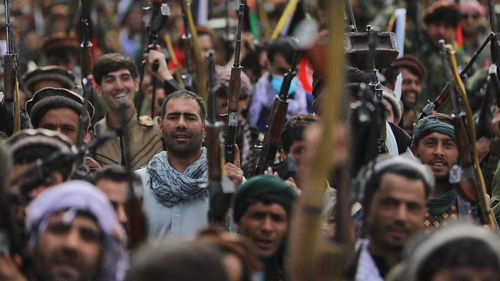 Taliban in mehrere Provinzhauptstädte in Afghanistan eingedrungen