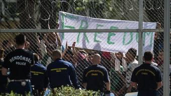 Das Staatssekretariat für Migration muss auf Geheiss des Bundesverwaltungsgerichts die Situation für Asylsuchende in Ungarn prüfen, weil die Bedingungen für Flüchtlinge seit dem Sommer 2015 ständig verschärft wurden. (Archivbild)