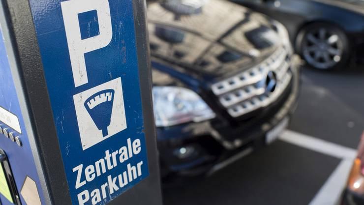 Variable Parkgebühren bedeuten: Je mehr Felder besetzt sind, desto teurer werden die weniger werdenden freien Parkplätze.