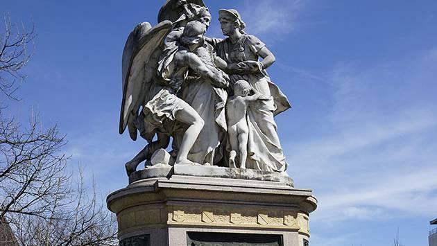 Das Strassburger Denkmal bei der Elisabethenanlage
