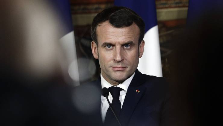 Entschlossener Blick: Der französische Präsident verzeichnet einen Teilerfolg mit seiner Rentenreform. Doch es warten noch einige Hürden.