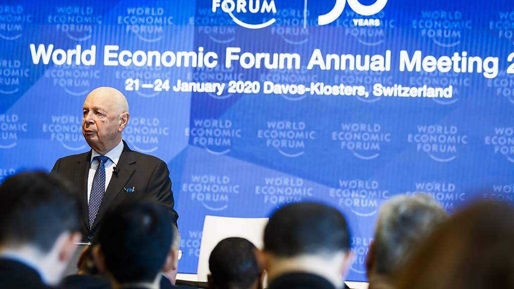 Gesamtbundesrat beehrt das WEF zum fünfzigsten Jubiläum
