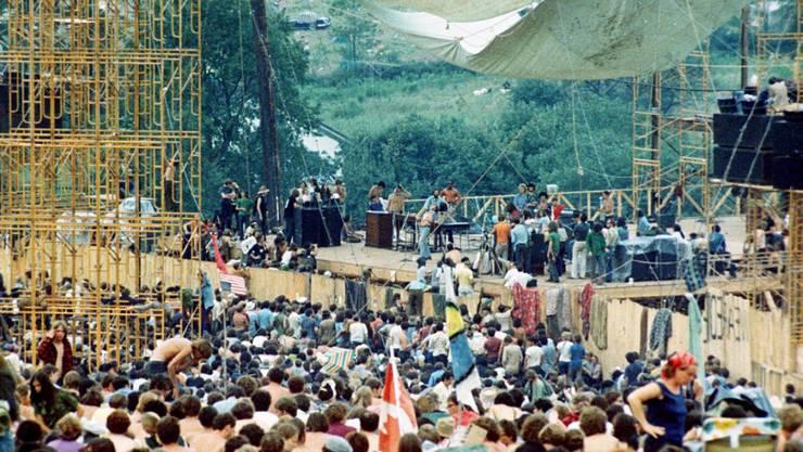 Für den 73-jährigen Rockmusiker Neil Young spiegelte die Musik am legendären Woodstock Festival 1969 noch ein Lebensgefühl. (Archivbild)