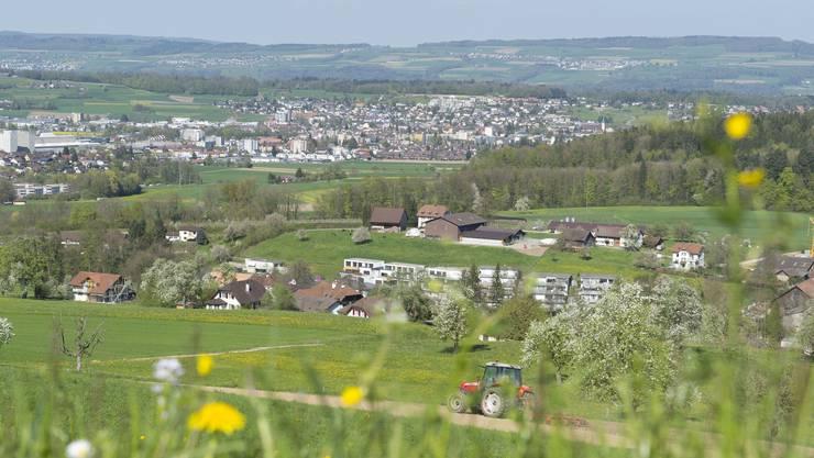 Die ländliche Idylle täuscht: Die Agglomeration Wohlen mit der Zentrumsgemeinde Wohlen (oben), mit Villmergen und Waltenschwil wächst stürmisch.