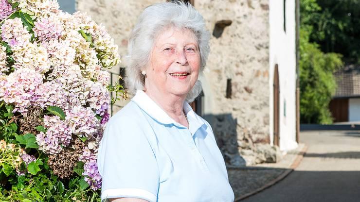Mehr als 50 Jahre lang hat sich Margrit Gähwiler der gemeinnützigen Arbeit verschrieben. Sie präsidierte den Frauenverein, den Samariterverein in Oetwil, im Limmattal und im Kanton Zürich. Besonders geprägt hat Gähwiler den Oetwiler Fahrdienst, um den sich die 80-Jährige seit der Gründung der Kommission für Autofahrdienste 1990 kümmerte. Zwei Jahre lang fuhr sie Senioren und Personen mit Einschränkungen zu Arztterminen, zur Therapie oder in die Apotheke, bis sie sich ausschliesslich der Administration als Präsidentin widmete. Im April trat sie altershalber zurück und vertraute Gaby Winiger die Aufgabe an. Gähwiler hofft, dass der Fahrdienst weiter Beachtung findet.