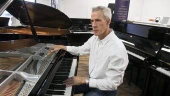 Rolf Gschwend hat schon in Tonhallen und Opernhäusern in der ganzen Schweiz Klaviere und Flügel gestimmt.