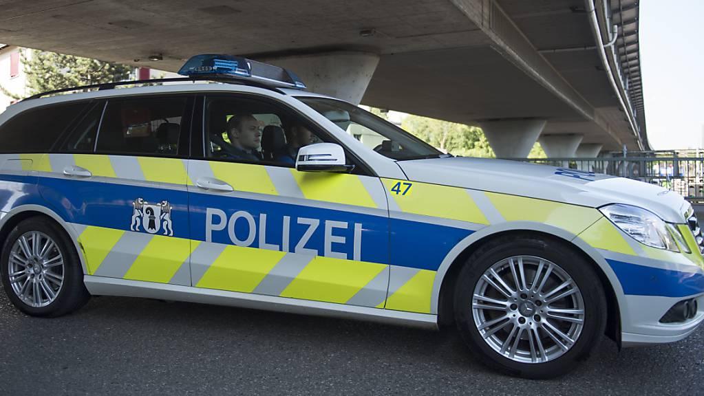 Die Kantonspolizei Basel-Stadt hat einen 23-jährigen Raser erwischt. (Symbolbild)