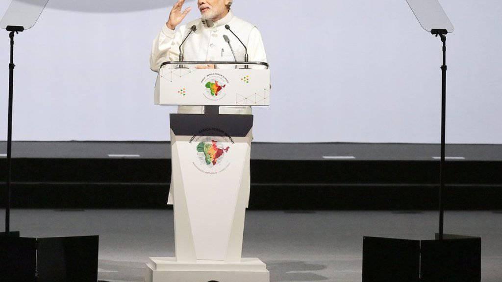 Intellektuelle werfen ihm vor, die Meinungsfreiheit in seinem Land einzuschränken: Narendra Modi, indischer Premierminister - hier bei der Eröffnungsrede am dritten Indien-Afrika-Gipfel in Neu-Delhi.