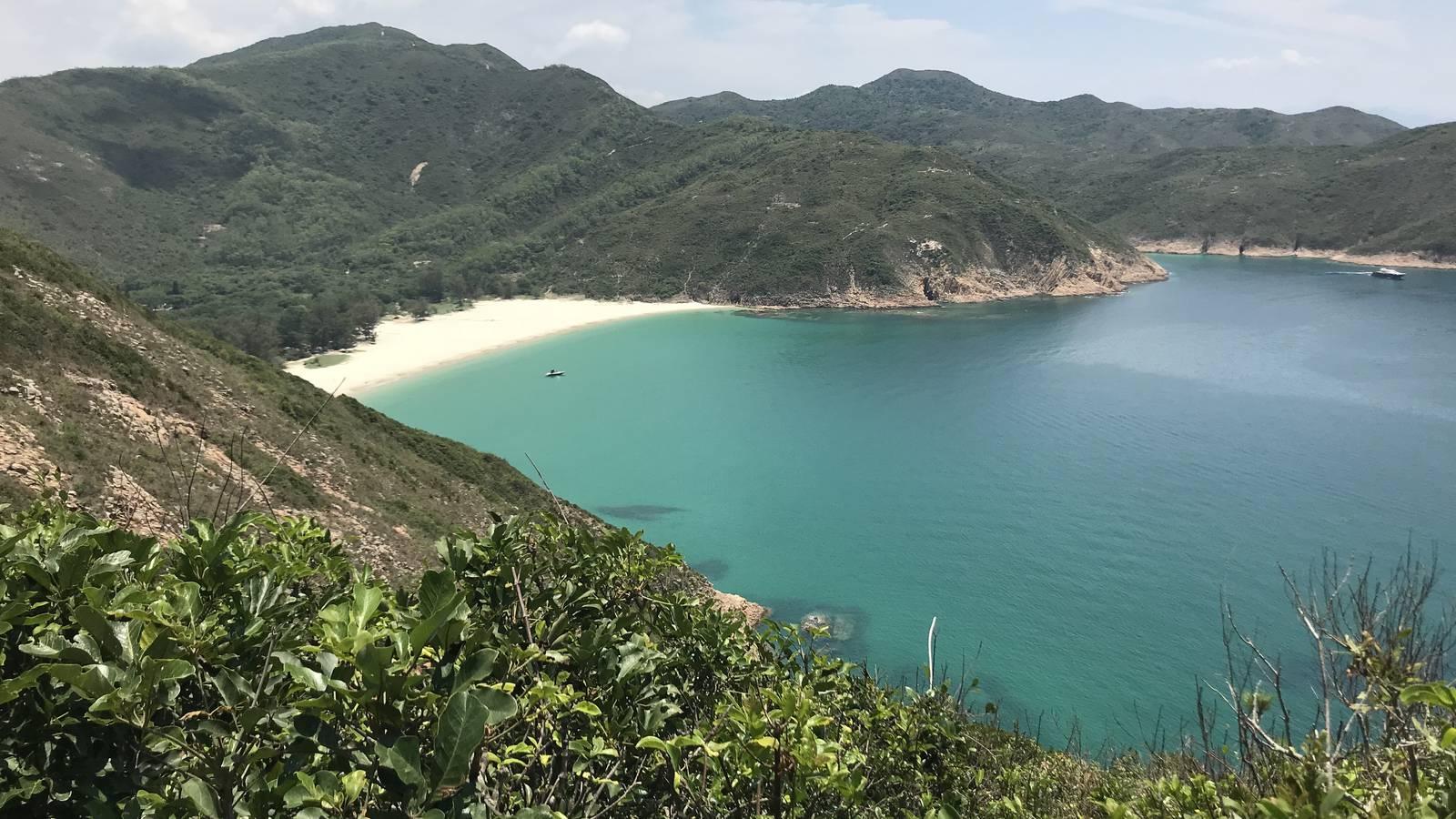 Karibik? Fehlanzeige. So sieht das Hinterland von Hong Kong aus (© Radio Argovia)
