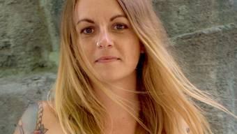 """Pia Klemp, Kapitänin eines Seenotrettungsschiffs und Autorin des Buches """"Lass uns mit den Toten tanzen""""."""