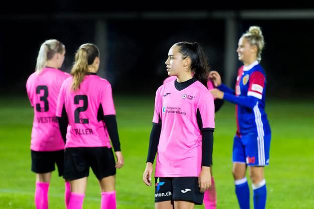 Enttäuschung bei den FC Aarau Frauen nach dem Spiel gegen den FC Basel.