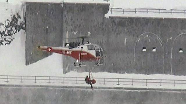Helikopter oberhalb Nendaz im Einsatz