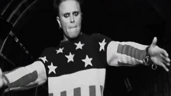 Keith Flint von «The Prodigy» wirkt ohne Musik im Musikvideo noch gruseliger als sonst. (Screenshot Youtube)