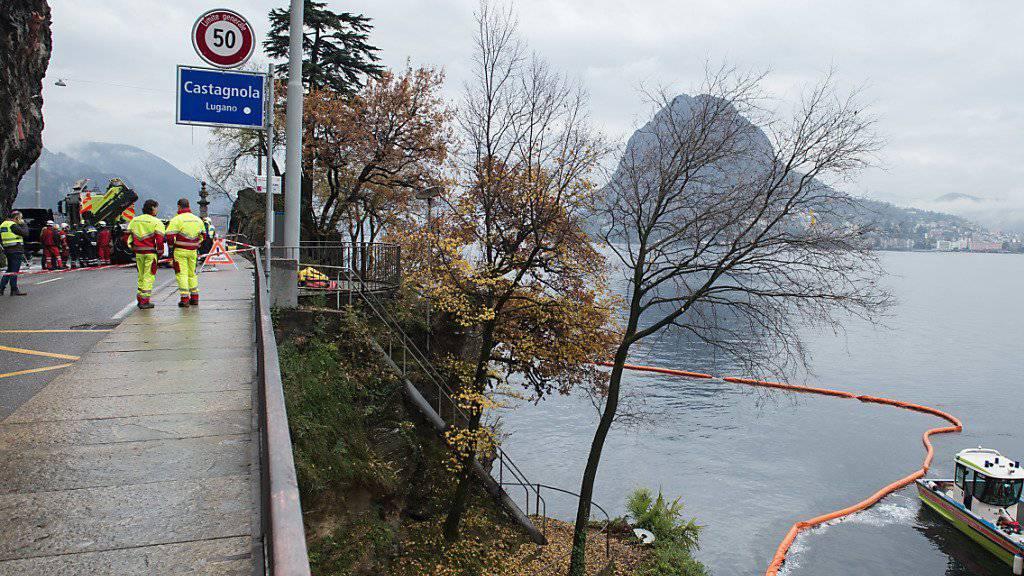 Die Polizei der Stadt Lugano und Einsatzkräfte der Feuerwehr sowie Taucher mussten am frühen Donnerstagmorgen ausrücken, um ein Auto aus dem Luganersee zu bergen. Für die Insassen kam jede Hilfe zu spät.