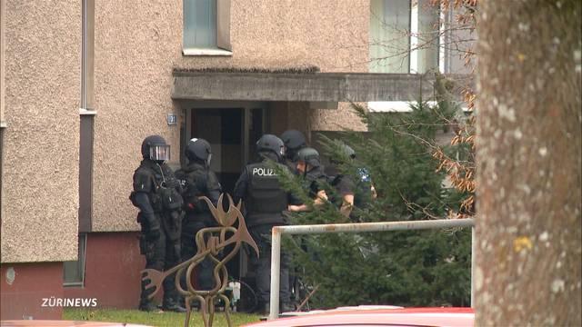 Polizei verhaftet Pärchen in Kloten
