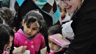 Der Austausch mit den syrischen Kindern und Müttern war für Naémi Wyss (rechts) sehr eindrücklich.ZVG