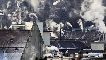 Der Treibhausgasausstoss nahm stark zu: Schuld daran sind die tiefen Temperaturen während der Heizperiode (Archiv)